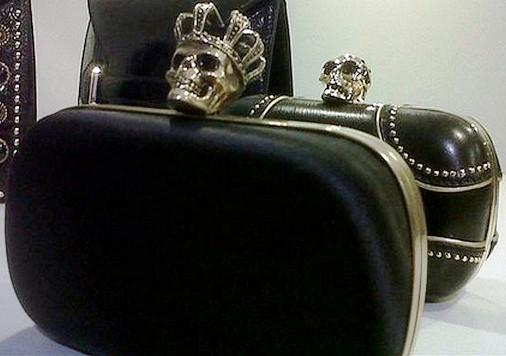 coleção, póstuma, alexander mcqueen, moda, acessorios, clutch, bolsa, sapato