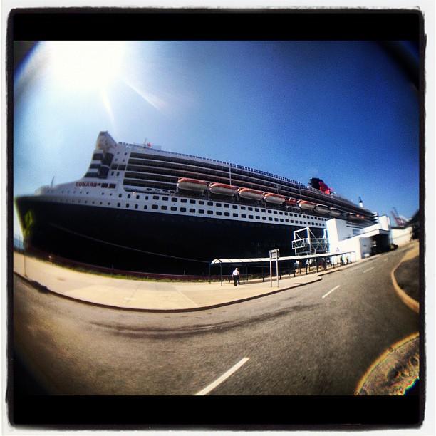 travis baker, navio, ship, cunard, blink 182, queen mary 2