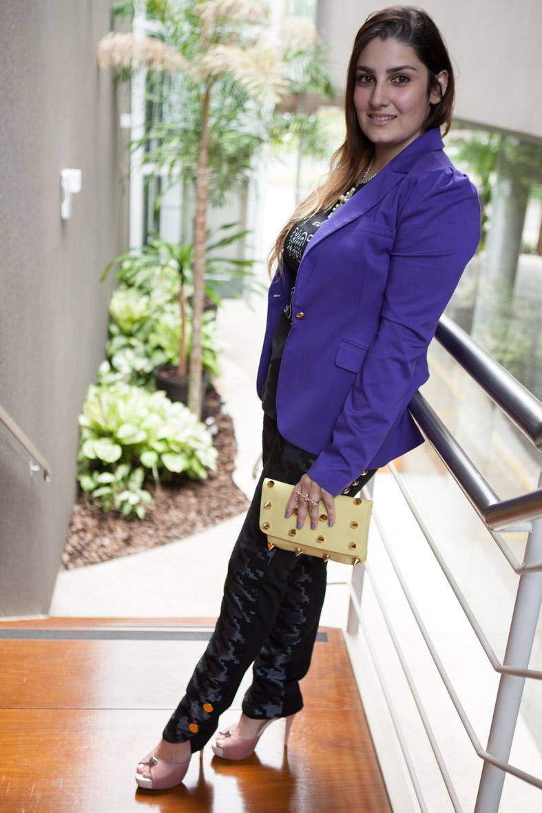 look do dia, blogueira, giovana quaglio, blazer roxo, calça estampada