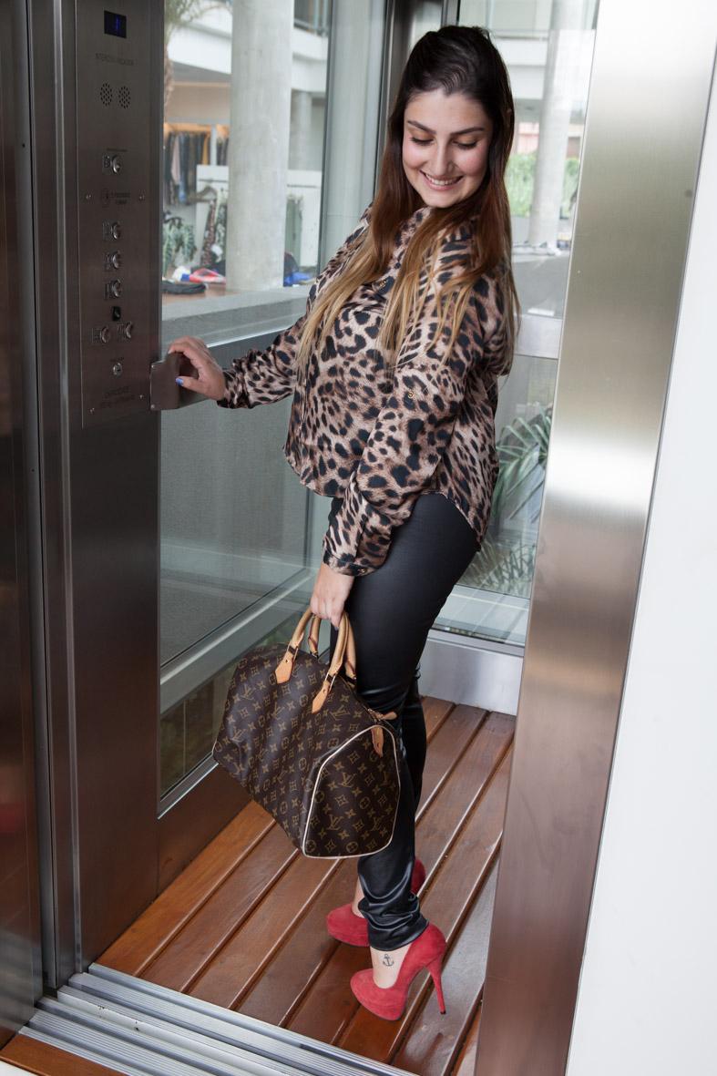 look do dia, oncinha, couro, louis vuitton, giovana quaglio, moca bonita, blogueira de moda