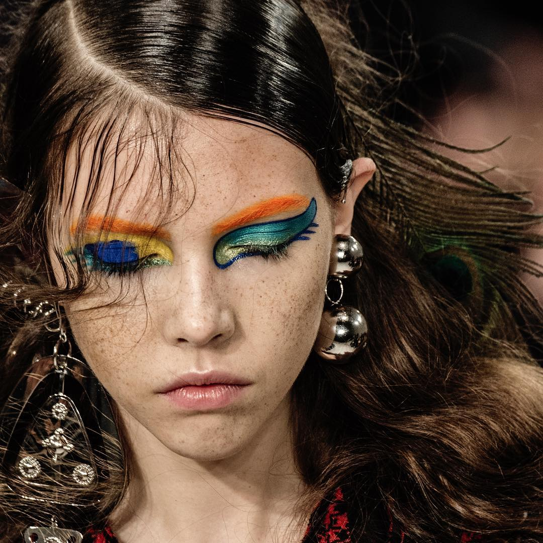 maison margiela, show, desfile, pfw, paris fashion week, make up, maquiagem, colorida