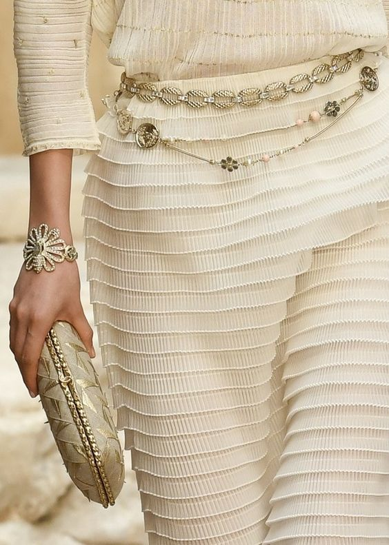 chanel, grécia, desfile, resort, 2017, 2018, paris, fotos, detalhes, look, modelos, cinto, clutch, jóias