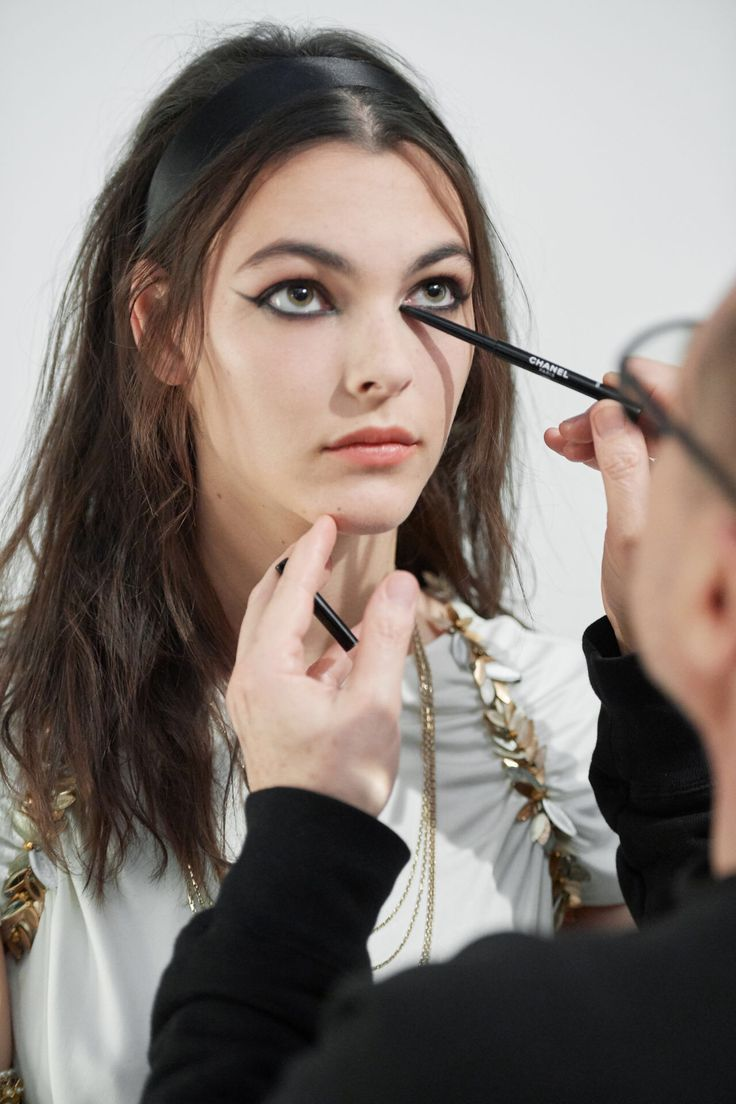 chanel, grécia, desfile, resort, 2017, 2018, paris, fotos, detalhes, look, modelos, maquiagem, make up